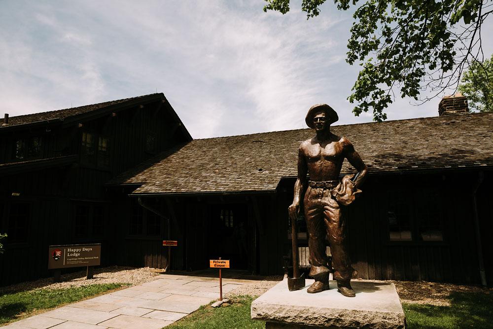 cuyahoga-valley-national-park-wedding-photographers-happy-days-lodge-peninsula-ohio-hudson-ohio-33.jpg