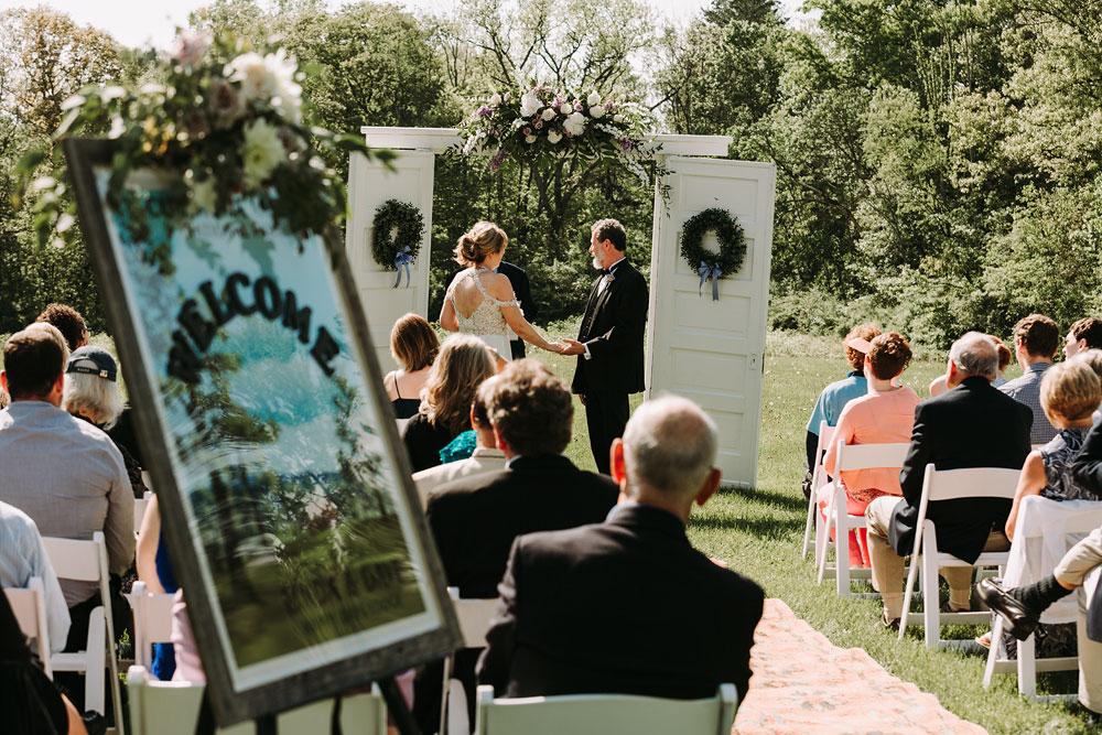 cuyahoga-valley-national-park-wedding-photographers-happy-days-lodge-peninsula-ohio-hudson-ohio-64.jpg