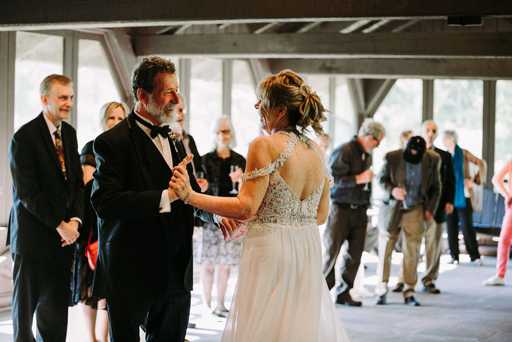 cuyahoga-valley-national-park-wedding-photographers-happy-days-lodge-peninsula-ohio-hudson-ohio-68.jpg