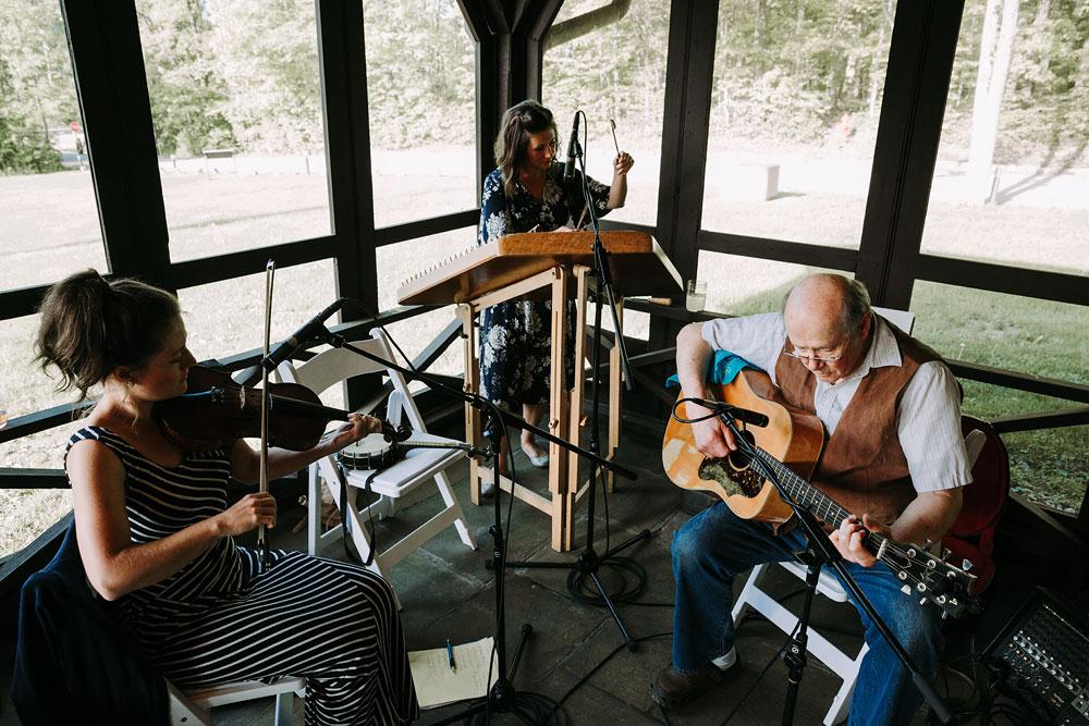 cuyahoga-valley-national-park-wedding-photographers-happy-days-lodge-peninsula-ohio-hudson-ohio-72.jpg