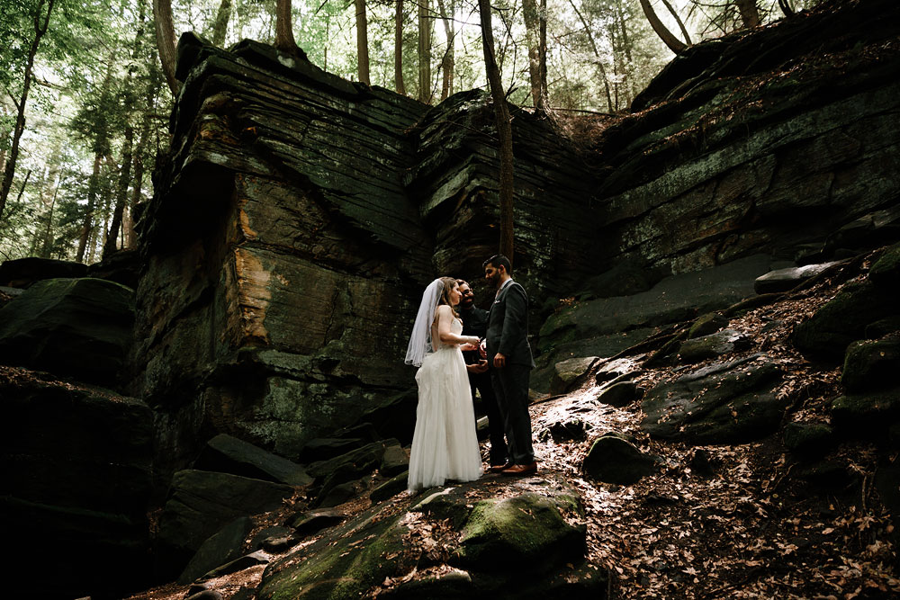 cuyahoga-valley-national-park-happy-days-lodge-cleveland-wedding-photographers-adventure-41.jpg