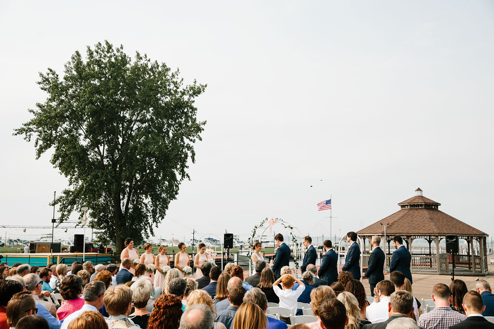 sandusky-ohio-destination-wedding-photographers-lyman-harbor-lake-erie-76.jpg