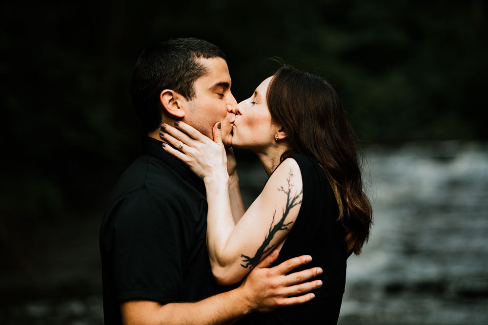 cleveland-wedding-photographers-cuyahoga-valley-national-park-engagement-photography-3.jpg