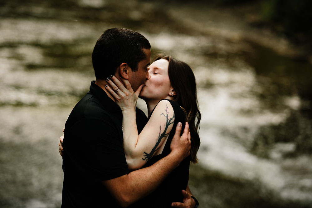 cleveland-wedding-photographers-cuyahoga-valley-national-park-engagement-photography-13.jpg