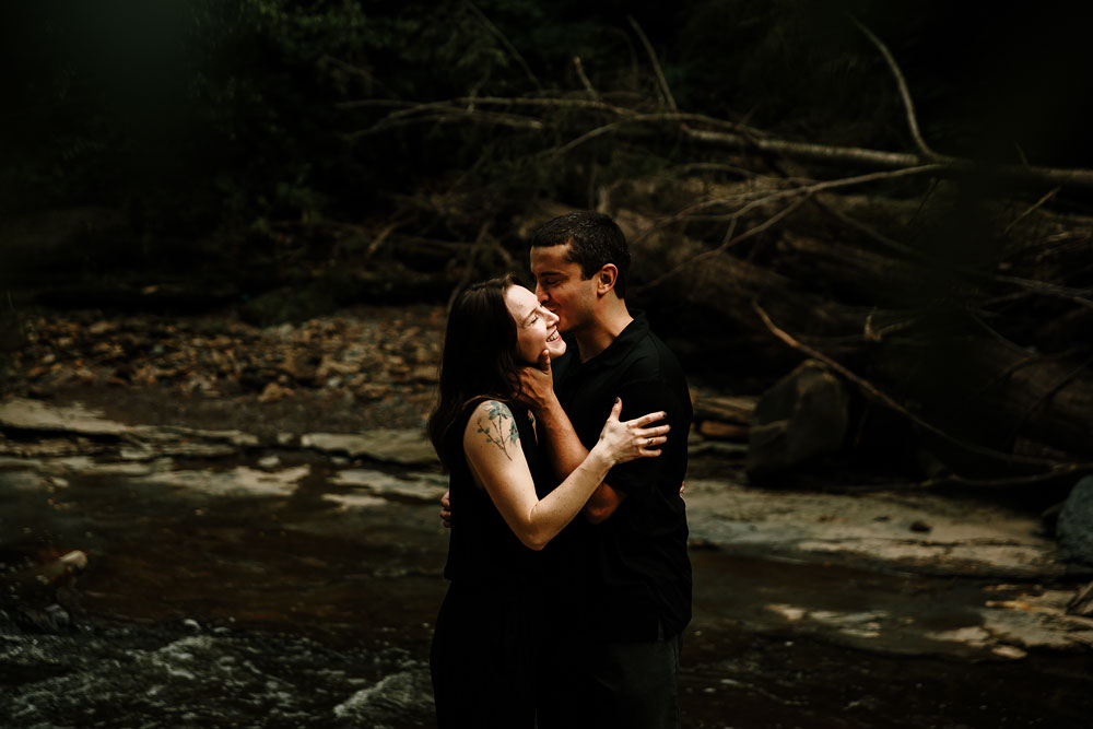 cleveland-wedding-photographers-cuyahoga-valley-national-park-engagement-photography-20.jpg