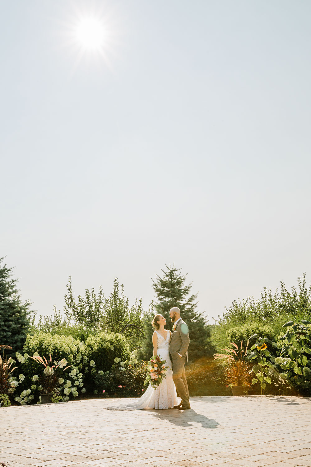 hillcrest-orchard-wedding-photography-outdoor-rustic-barn-cleveland-amherst-oberlin-ohio-wedding-photographers-111.jpg