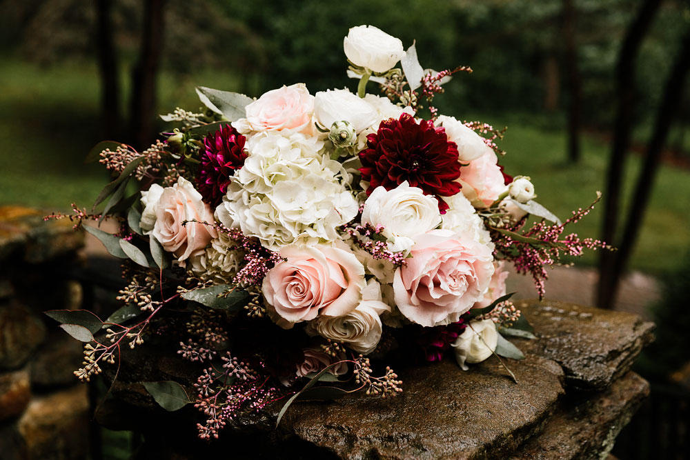 cleveland-wedding-photographers-landolls-mohican-castle-beautiful-outdoor-wedding-rain-rainy-photography-2.jpg
