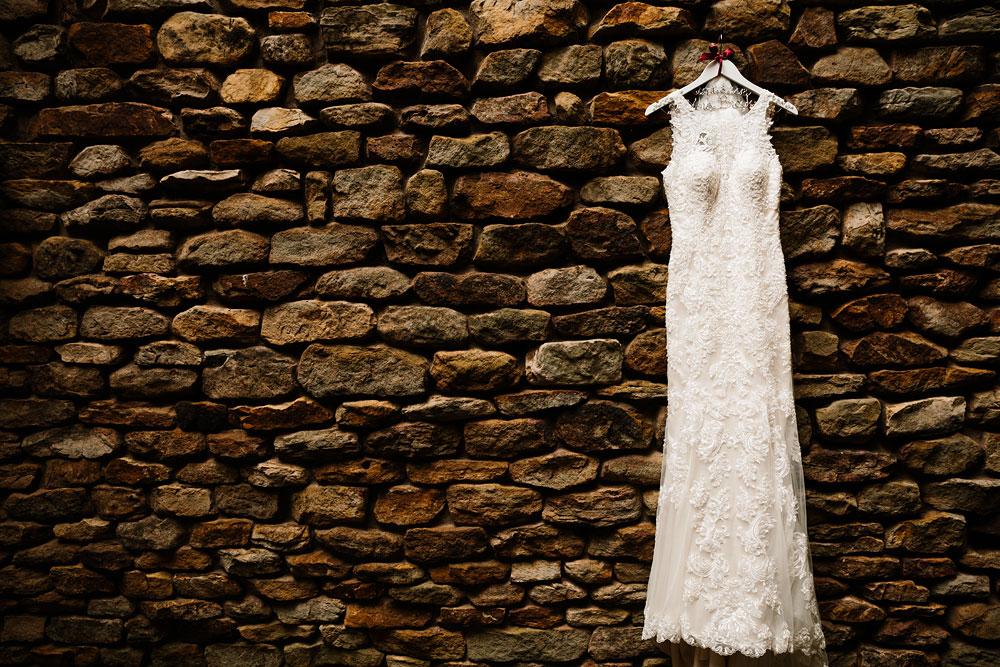 cleveland-wedding-photographers-landolls-mohican-castle-beautiful-outdoor-wedding-rain-rainy-photography-1.jpg