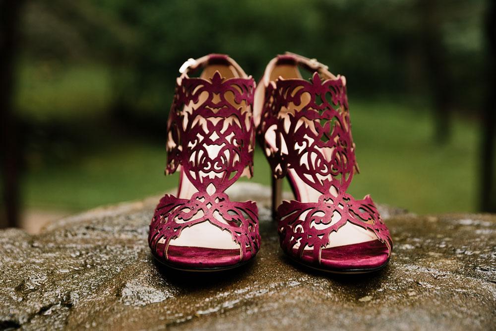 cleveland-wedding-photographers-landolls-mohican-castle-beautiful-outdoor-wedding-rain-rainy-photography-4.jpg
