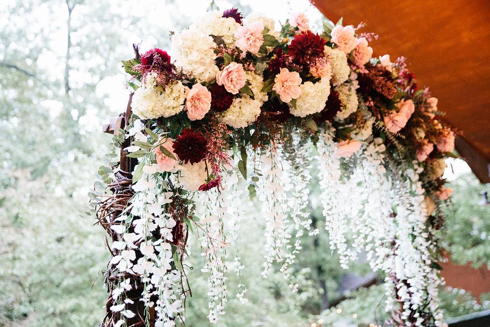 cleveland-wedding-photographers-landolls-mohican-castle-beautiful-outdoor-wedding-rain-rainy-photography-7.jpg