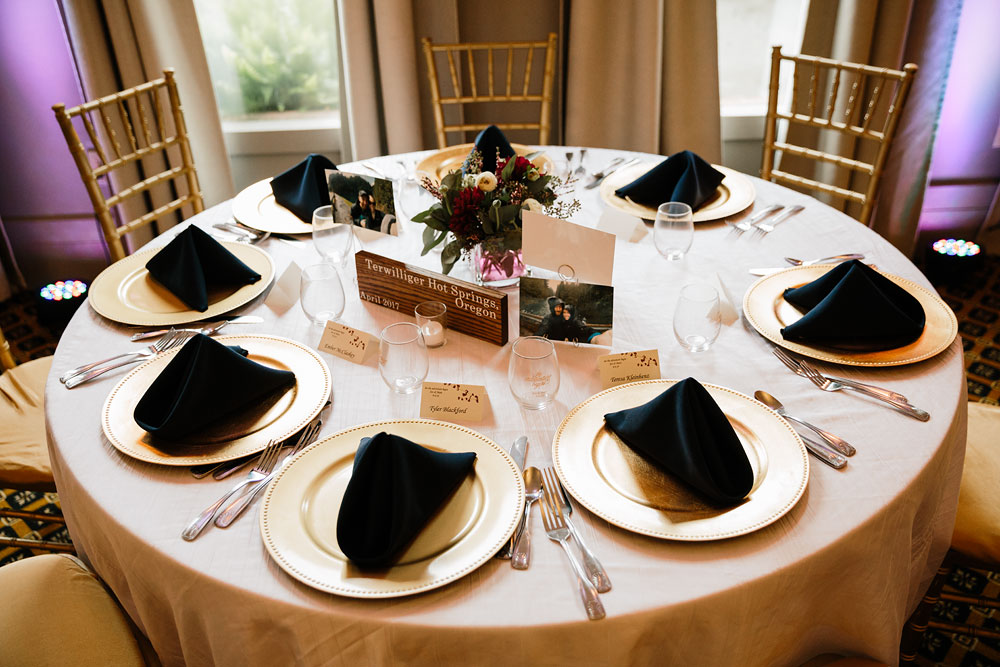 cleveland-wedding-photographers-landolls-mohican-castle-beautiful-outdoor-wedding-rain-rainy-photography-9.jpg