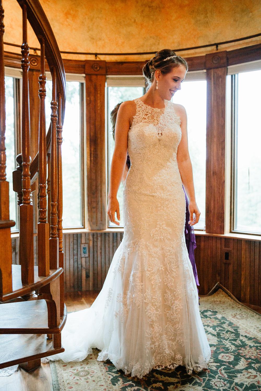 cleveland-wedding-photographers-landolls-mohican-castle-beautiful-outdoor-wedding-rain-rainy-photography-25.jpg