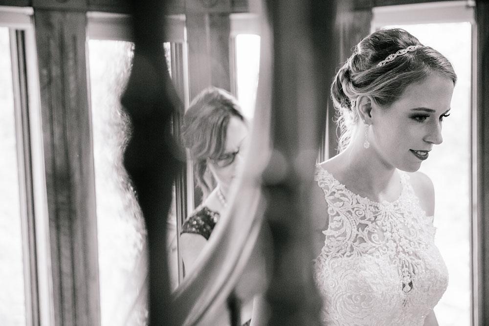 cleveland-wedding-photographers-landolls-mohican-castle-beautiful-outdoor-wedding-rain-rainy-photography-27.jpg