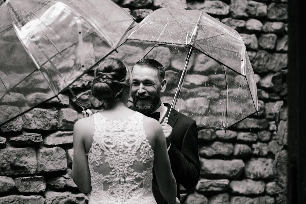 cleveland-wedding-photographers-landolls-mohican-castle-beautiful-outdoor-wedding-rain-rainy-photography-48.jpg