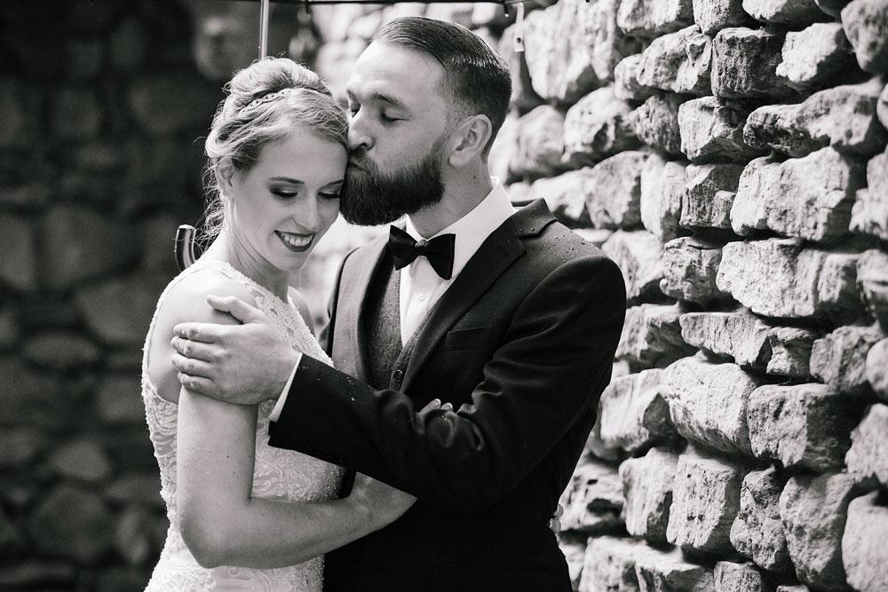cleveland-wedding-photographers-landolls-mohican-castle-beautiful-outdoor-wedding-rain-rainy-photography-58.jpg