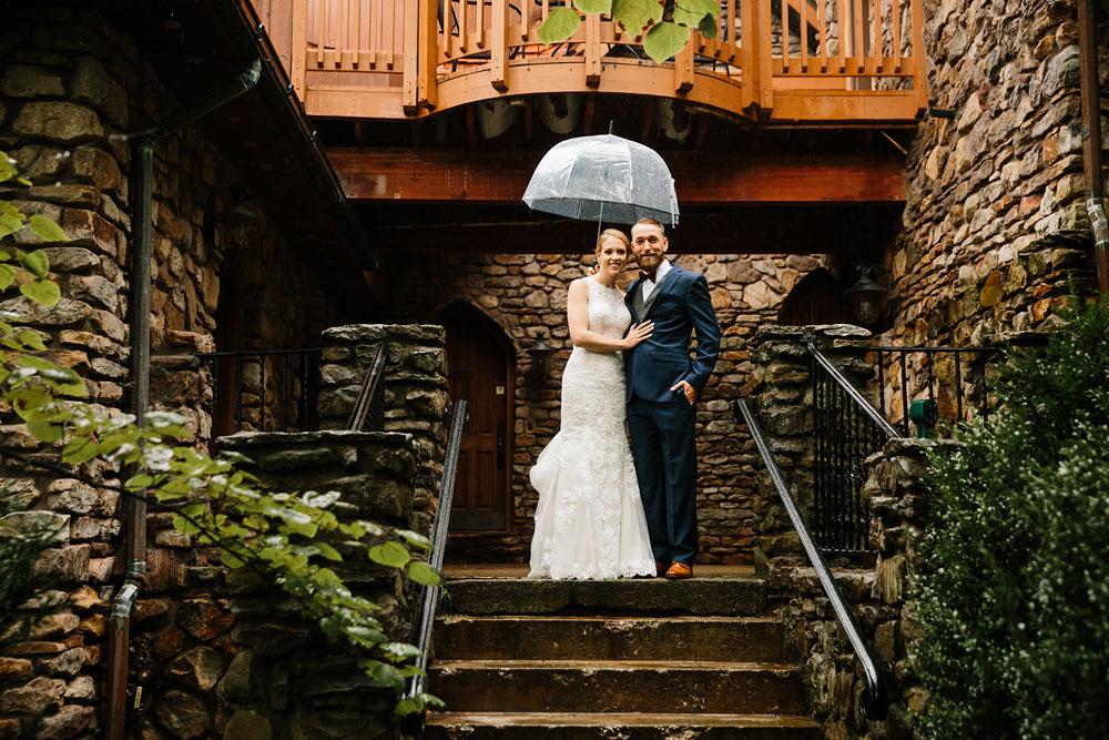 cleveland-wedding-photographers-landolls-mohican-castle-beautiful-outdoor-wedding-rain-rainy-photography-59.jpg