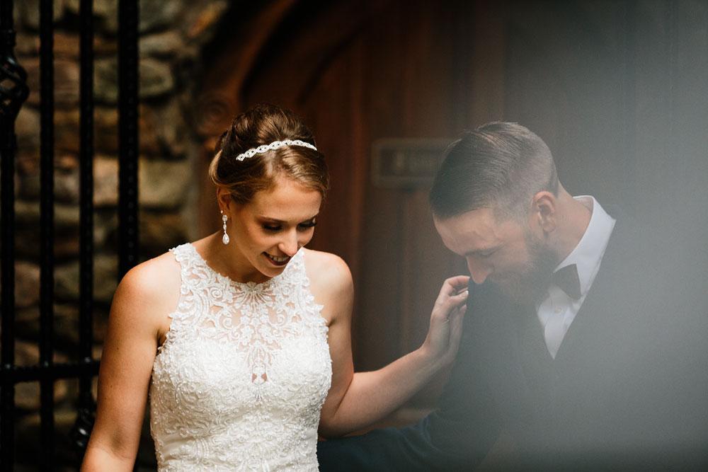 cleveland-wedding-photographers-landolls-mohican-castle-beautiful-outdoor-wedding-rain-rainy-photography-73.jpg