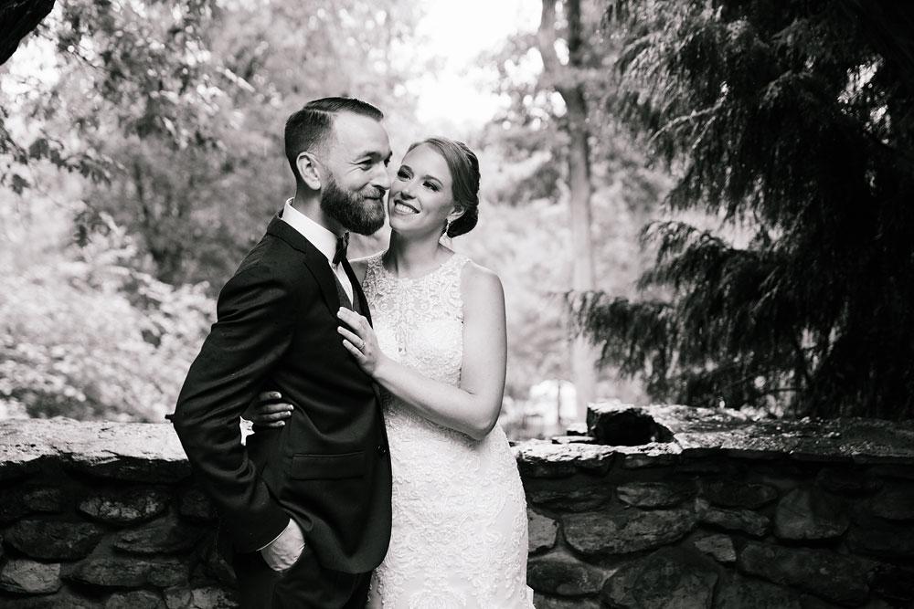 cleveland-wedding-photographers-landolls-mohican-castle-beautiful-outdoor-wedding-rain-rainy-photography-80.jpg