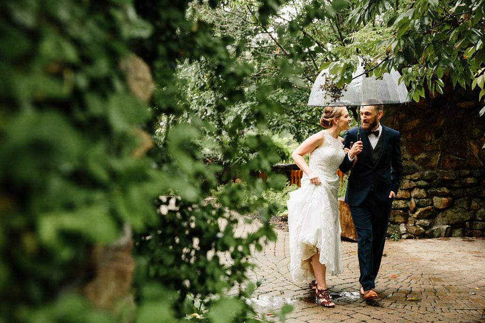 cleveland-wedding-photographers-landolls-mohican-castle-beautiful-outdoor-wedding-rain-rainy-photography-86.jpg