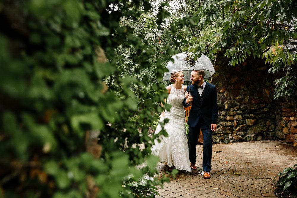 cleveland-wedding-photographers-landolls-mohican-castle-beautiful-outdoor-wedding-rain-rainy-photography-94.jpg