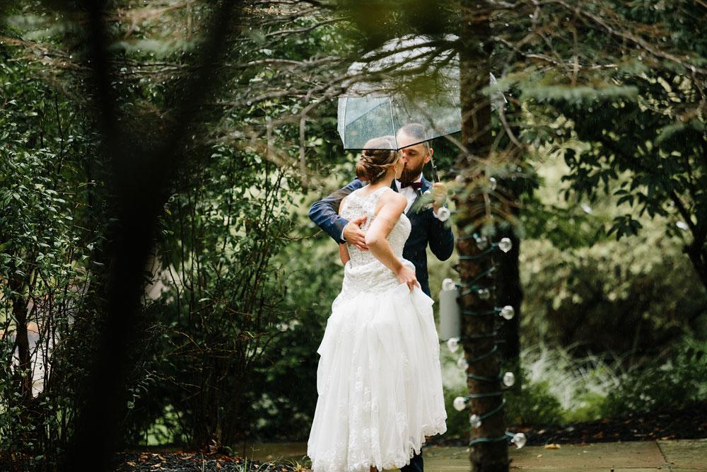 cleveland-wedding-photographers-landolls-mohican-castle-beautiful-outdoor-wedding-rain-rainy-photography-113.jpg