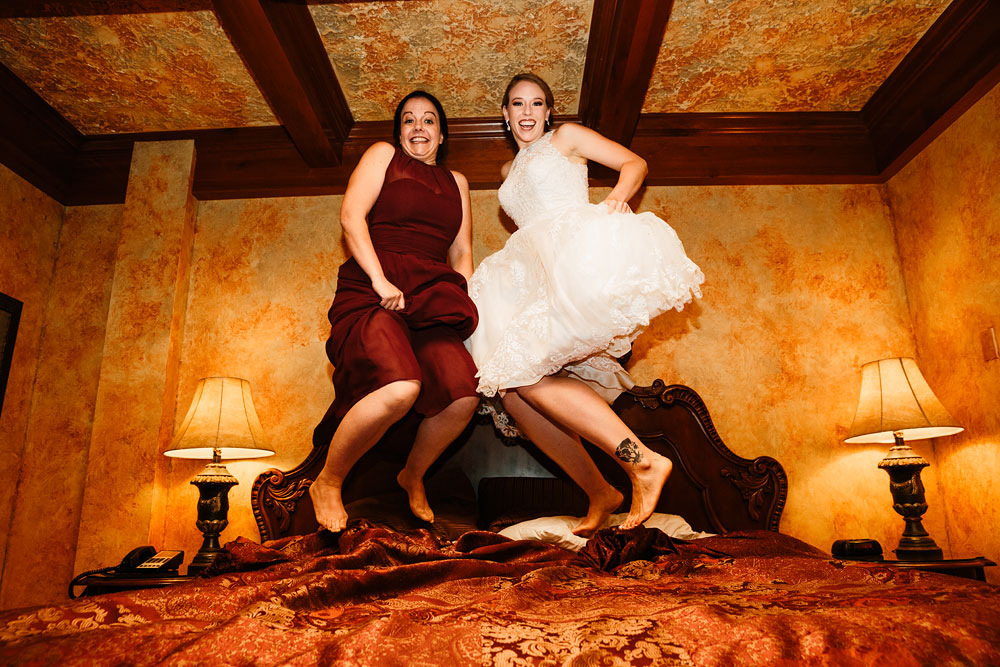 cleveland-wedding-photographers-landolls-mohican-castle-beautiful-outdoor-wedding-rain-rainy-photography-120.jpg