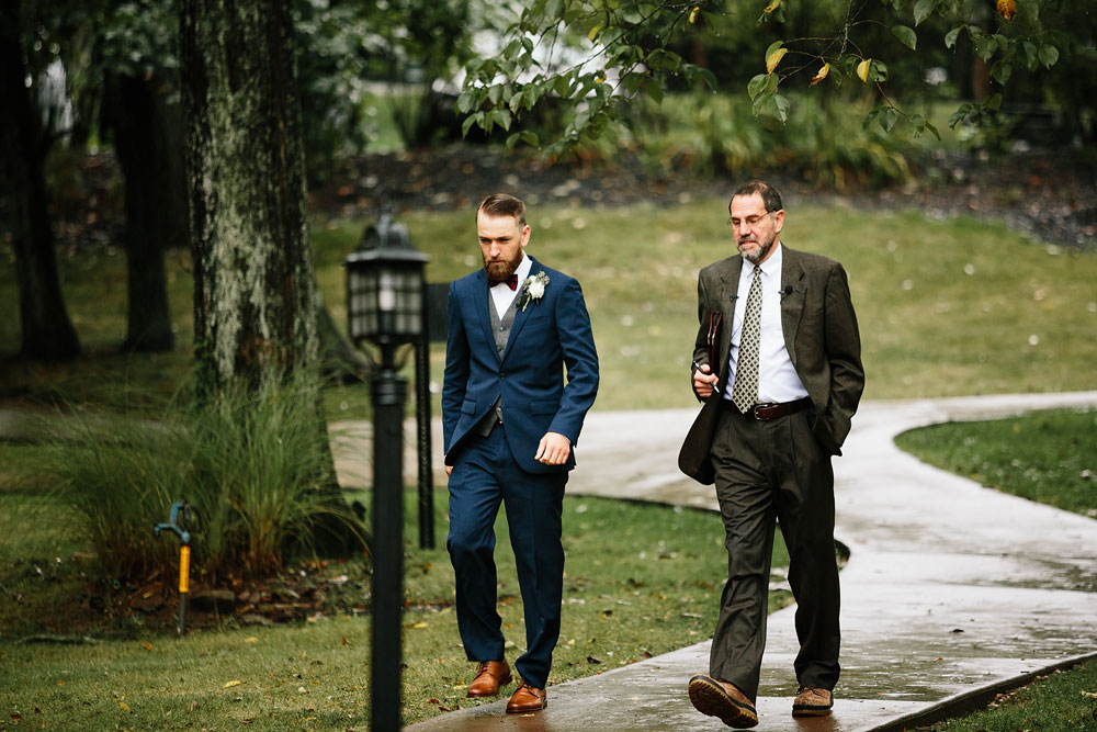 cleveland-wedding-photographers-landolls-mohican-castle-beautiful-outdoor-wedding-rain-rainy-photography-127.jpg