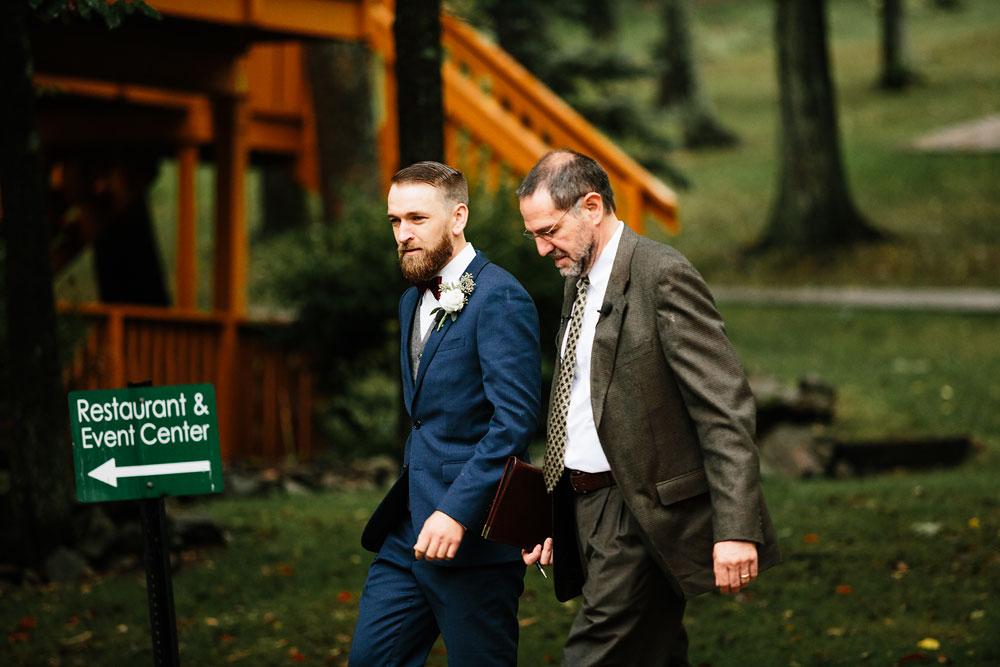 cleveland-wedding-photographers-landolls-mohican-castle-beautiful-outdoor-wedding-rain-rainy-photography-128.jpg