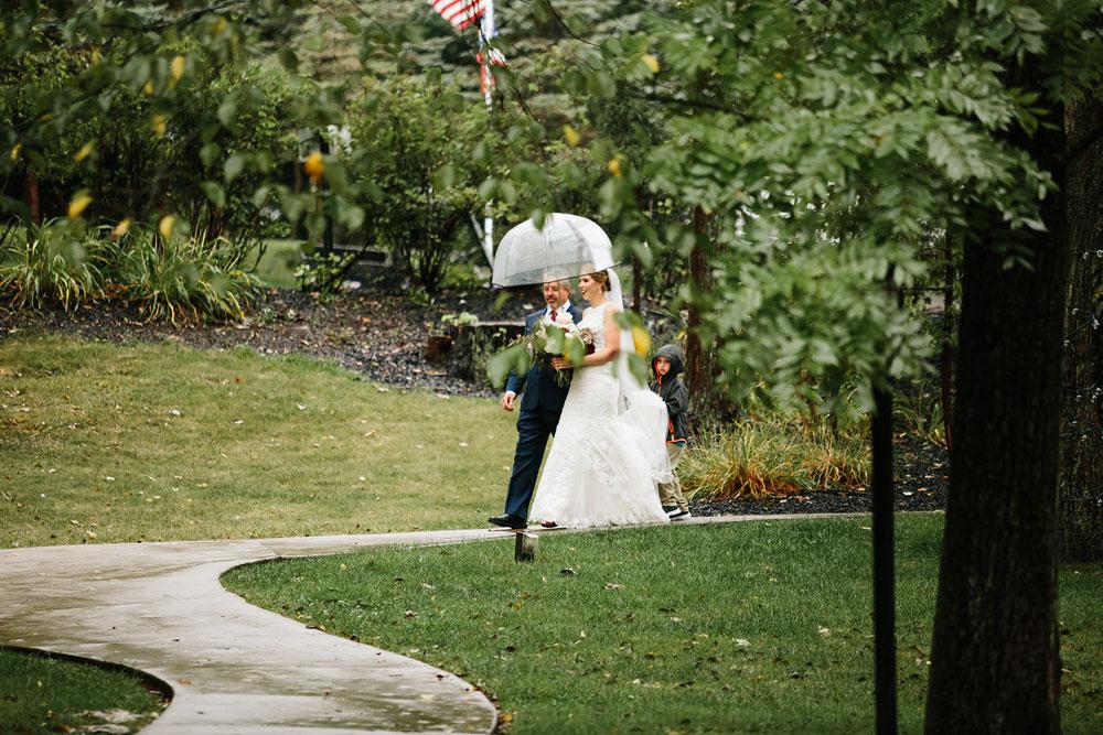 cleveland-wedding-photographers-landolls-mohican-castle-beautiful-outdoor-wedding-rain-rainy-photography-131.jpg
