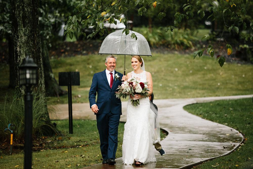 cleveland-wedding-photographers-landolls-mohican-castle-beautiful-outdoor-wedding-rain-rainy-photography-132.jpg