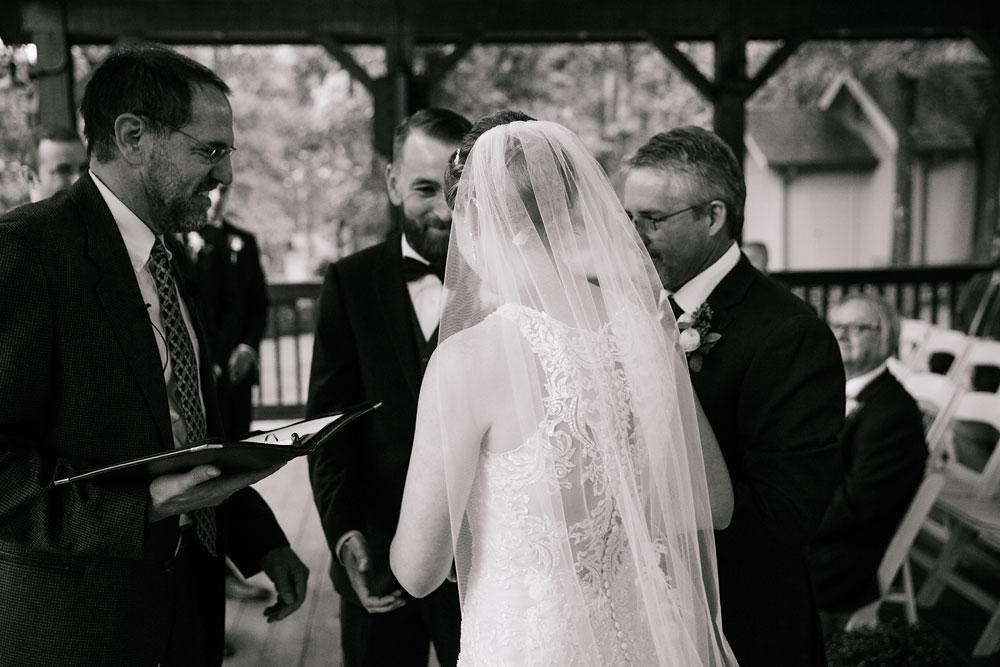 cleveland-wedding-photographers-landolls-mohican-castle-beautiful-outdoor-wedding-rain-rainy-photography-140.jpg