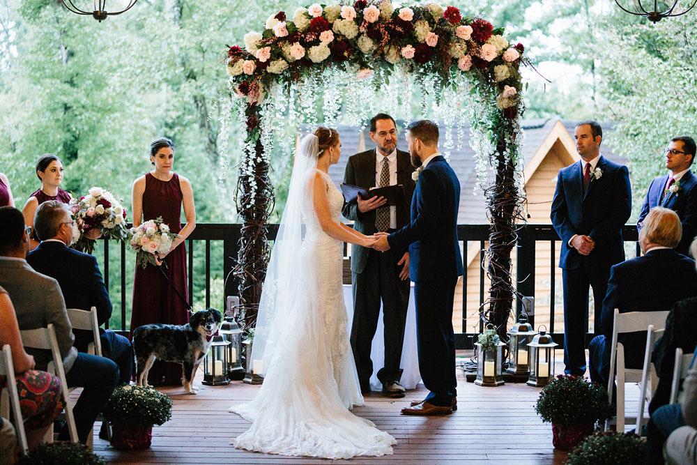 cleveland-wedding-photographers-landolls-mohican-castle-beautiful-outdoor-wedding-rain-rainy-photography-141.jpg