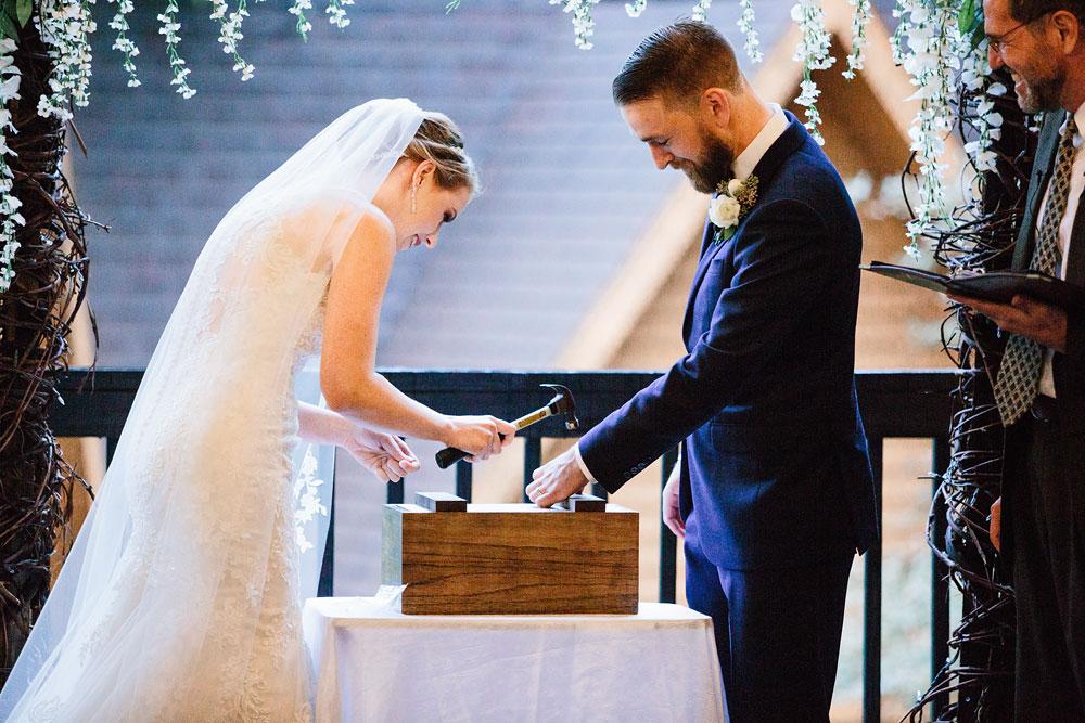 cleveland-wedding-photographers-landolls-mohican-castle-beautiful-outdoor-wedding-rain-rainy-photography-145.jpg