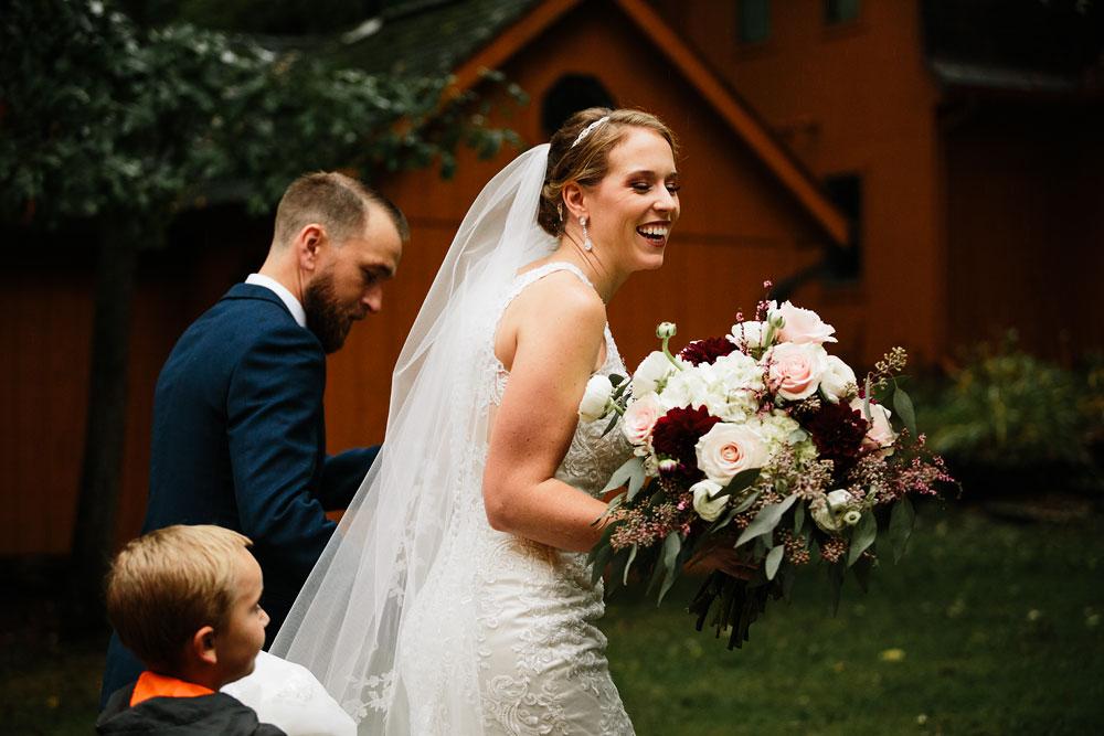 cleveland-wedding-photographers-landolls-mohican-castle-beautiful-outdoor-wedding-rain-rainy-photography-149.jpg