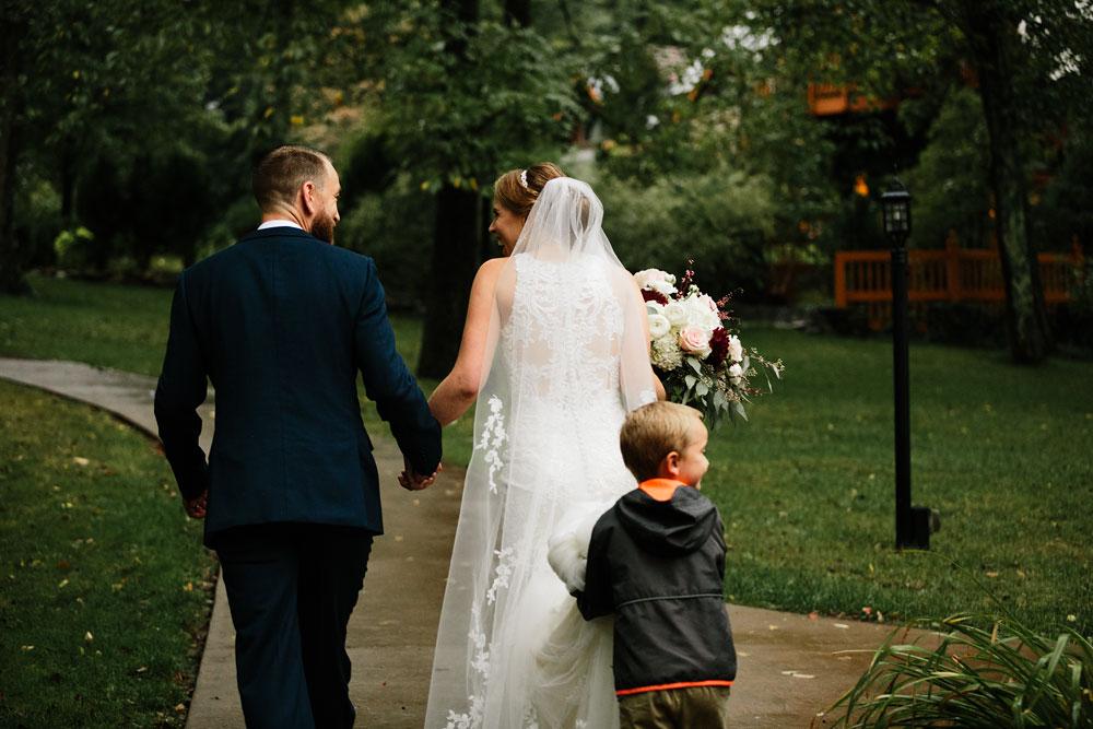 cleveland-wedding-photographers-landolls-mohican-castle-beautiful-outdoor-wedding-rain-rainy-photography-150.jpg