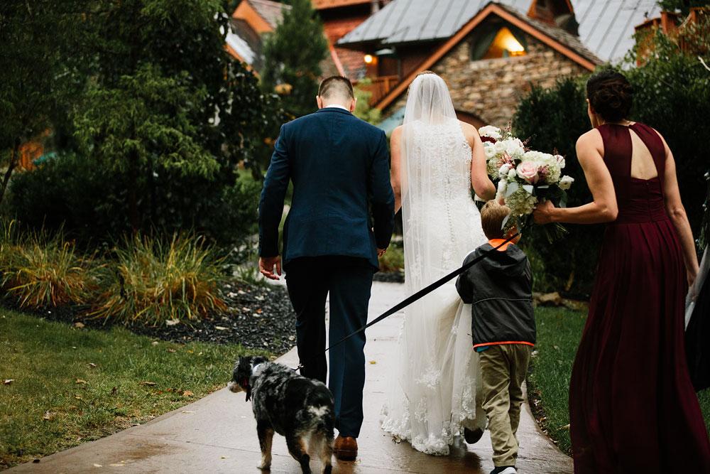 cleveland-wedding-photographers-landolls-mohican-castle-beautiful-outdoor-wedding-rain-rainy-photography-152.jpg