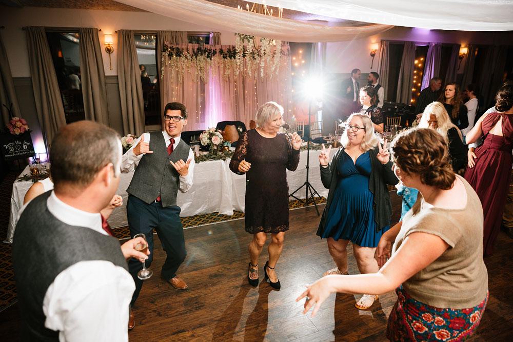 cleveland-wedding-photographers-landolls-mohican-castle-beautiful-outdoor-wedding-rain-rainy-photography-173.jpg