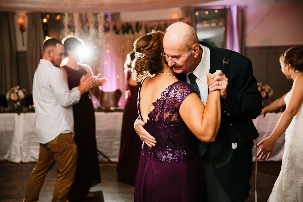 cleveland-wedding-photographers-landolls-mohican-castle-beautiful-outdoor-wedding-rain-rainy-photography-175.jpg