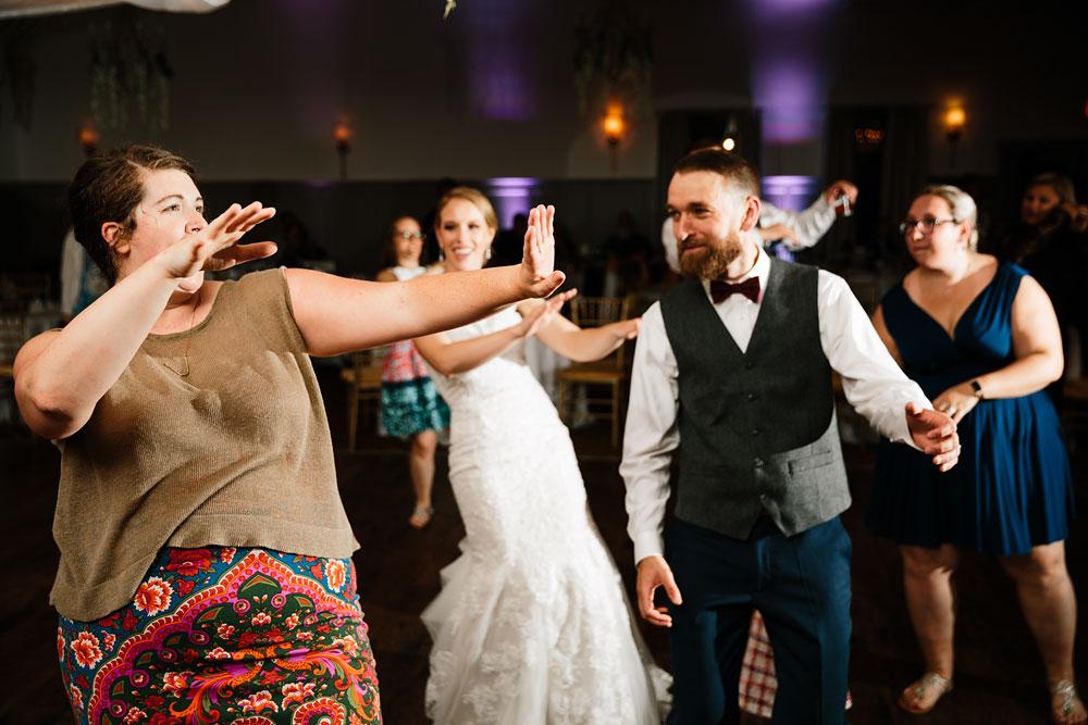 cleveland-wedding-photographers-landolls-mohican-castle-beautiful-outdoor-wedding-rain-rainy-photography-180.jpg