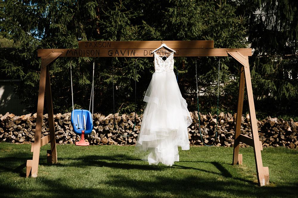 wedding-photographers-cleveland-ohio-columbia-ballroom-downtown-cleveland-barn-wedding-1.jpg