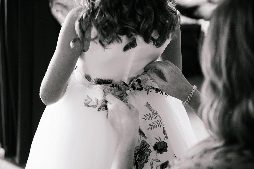 wedding-photographers-cleveland-ohio-columbia-ballroom-downtown-cleveland-barn-wedding-16.jpg