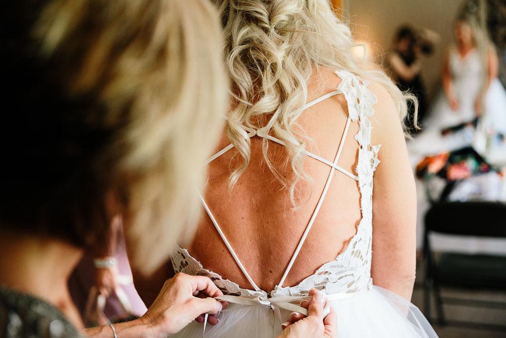 wedding-photographers-cleveland-ohio-columbia-ballroom-downtown-cleveland-barn-wedding-22.jpg