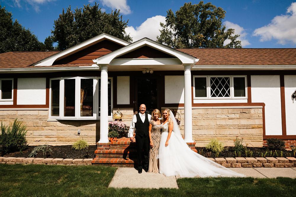 wedding-photographers-cleveland-ohio-columbia-ballroom-downtown-cleveland-barn-wedding-34.jpg