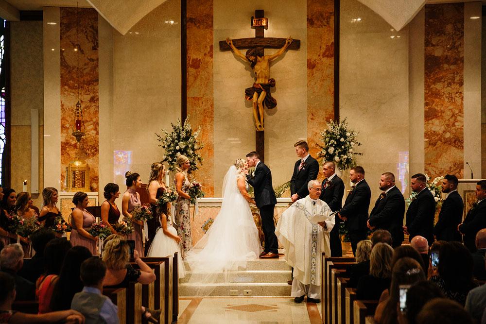 wedding-photographers-cleveland-ohio-columbia-ballroom-downtown-cleveland-barn-wedding-53.jpg