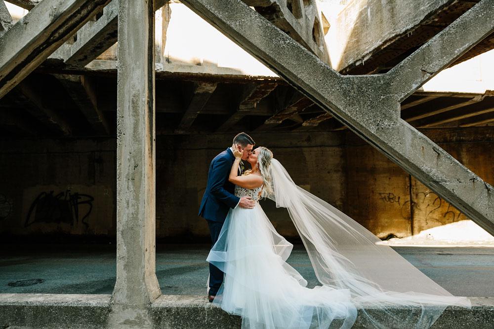 wedding-photographers-cleveland-ohio-columbia-ballroom-downtown-cleveland-barn-wedding-79.jpg