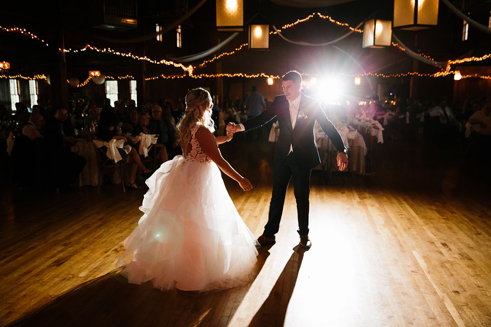 wedding-photographers-cleveland-ohio-columbia-ballroom-downtown-cleveland-barn-wedding-140.jpg
