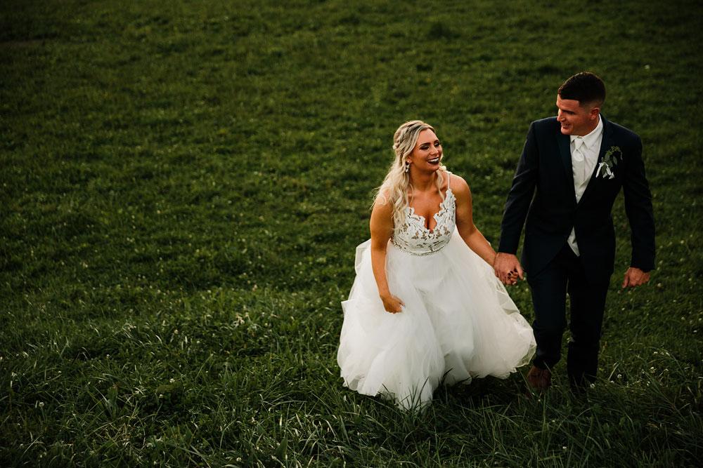 wedding-photographers-cleveland-ohio-columbia-ballroom-downtown-cleveland-barn-wedding-143.jpg