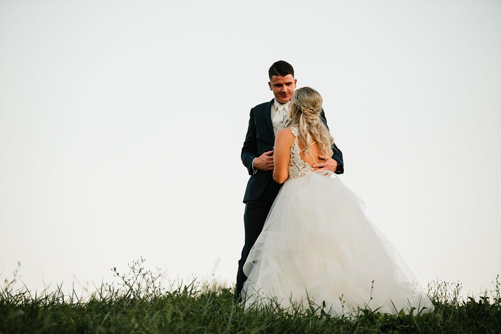 wedding-photographers-cleveland-ohio-columbia-ballroom-downtown-cleveland-barn-wedding-144.jpg