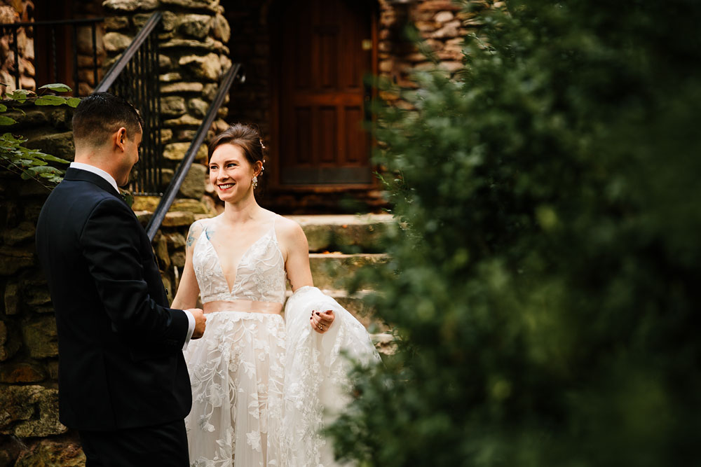 cleveland-wedding-photographers-at-landolls-mohican-castle-central-ohio-romantic-wedding-photography-50.jpg