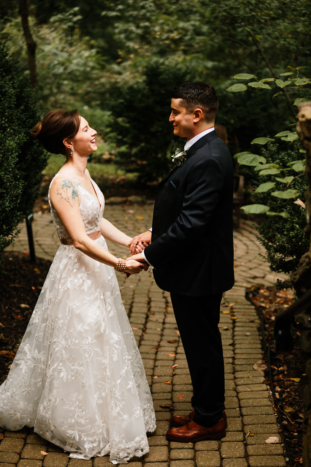 cleveland-wedding-photographers-at-landolls-mohican-castle-central-ohio-romantic-wedding-photography-58.jpg